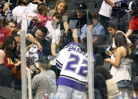 Anze Kopitar signs autographs