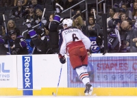 Dustin Brown headstand