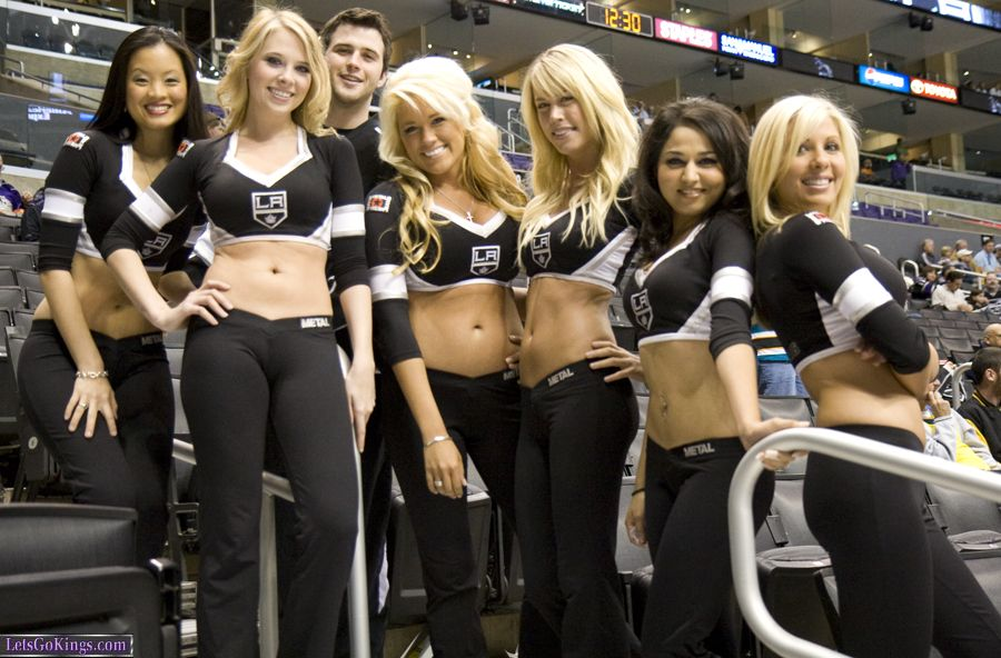 Ice Girls And Guy