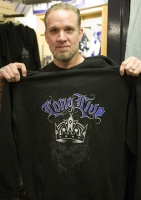 Jesse James Displays One Of His New Kings Hoodies