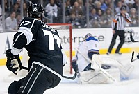 Jeff Carter scoring chance