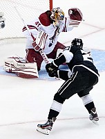 coyotes game4 2012-170 by Rinkrat