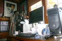 RR's messy desk
