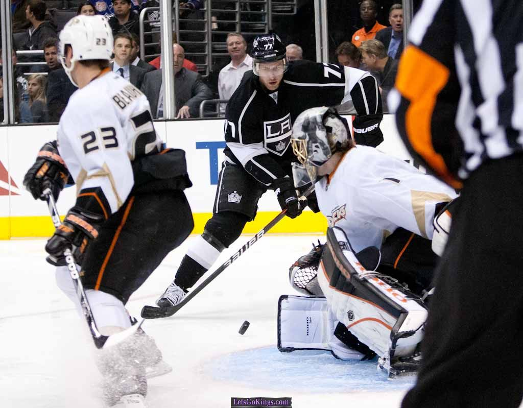 Jeff CarterAbout to score first goal as a King