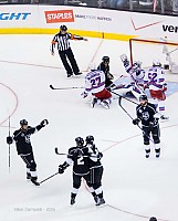 Kings celebrate as Lundquist begs for interference