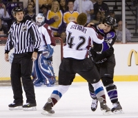 Chris Stewart #42 Of The Colorado Avalanche And Kevin Westgarth #33 Of The Los Angeles Kings Fight D