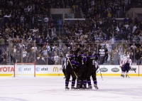 Kings Celebrate Kopitar's Empty Netter
