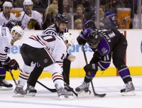 Patrick Sharp And Anze Kopitar Faceoff