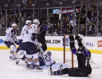 Kyle Calder Celebrates Goal By Anze Kopitar