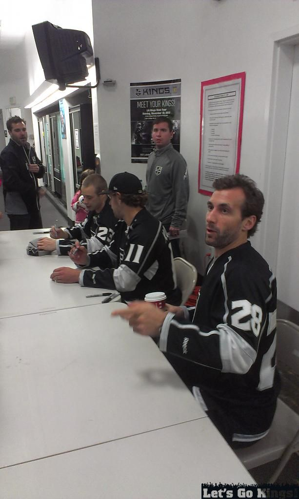Palos Verde Rink Tour Players Signing 2
